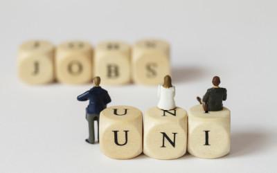 Università e lavoro. Se tra loro non comunicano, sta a noi costruire un dialogo.